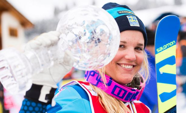 Skicrossin olympiapronssimitalisti Anna Holmlund loukkaantui vakavasti joulukuussa. Aivovammoista kärsivä ruotsalaisurheilija ei ole herännyt onnettomuuden jälkeen.