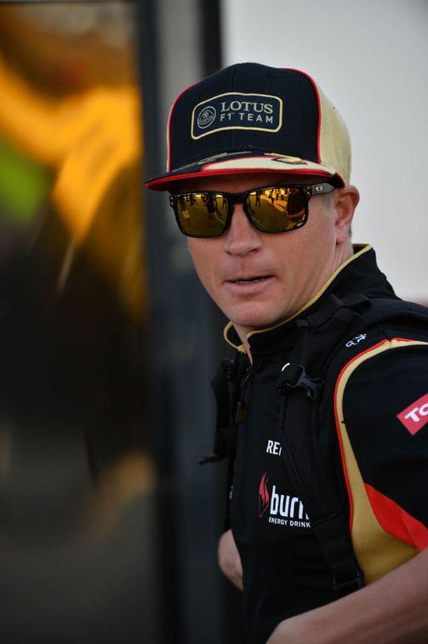 Kimi Räikkönen on edelleen vahvimmin tapetilla Ferrarin ensi kauden kuljettajaksi, mikäli Massa-yhteistyötä ei jatketa.