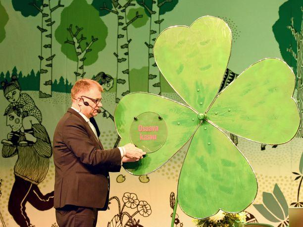 Pääministeri Juha Sipilä esitteli keskustan puoluekokouksessa kesäkuussa Sotkamossa itse suunnittelemansa ja rakentamansa luottamuksen apilan. Nyt puolue järjestää samannimisen vaalitilaisuuden Helsingissä.
