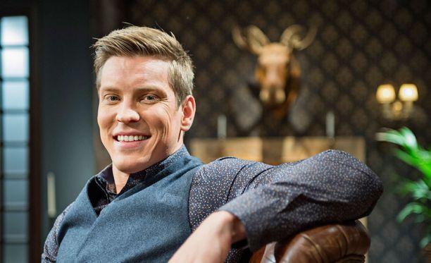 Näyttelijä Antti Holma.