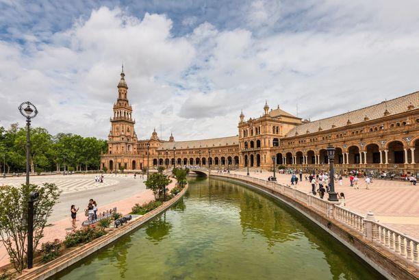 Plaza de Espana -aukio nousi nähtävyyksien rankkauksessa maailman kakkoseksi ja Eurooopan ykköseksi.