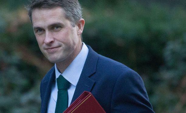Ministeri Williamson antoi haastattelun, jossa hän kertoi hämmästyttävän suoranuottisesti, mitä Venäjän hyökkäys saarivaltioon aiheuttaisi.