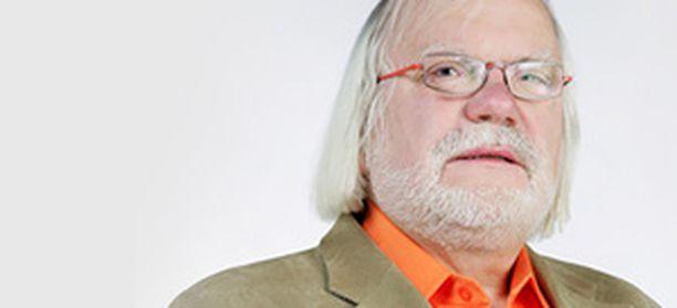 Pauli Vahtera on ammatilataan KHT-tilintarkastaja.