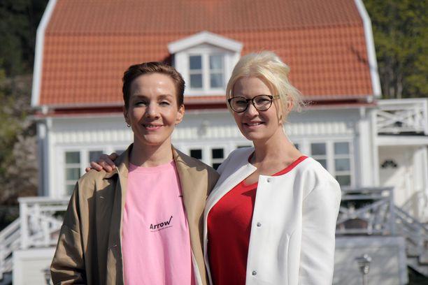 Maria Veitola matkustaa torstain jaksossa Tukholmaan tapaamaan Linda Lampeniusta.