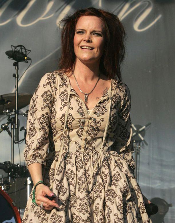 Nightwish joutui eilen perumaan keikkansa Anetten äkillisen sairastumisen takia.
