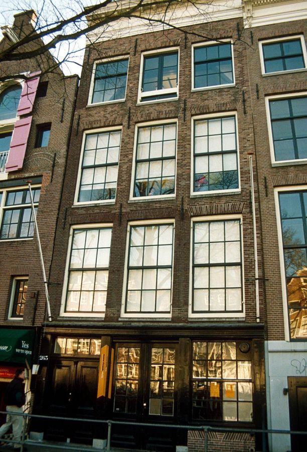 Amsterdamissa sijaitsevassa, Frankin perheen piilopaikkana käyttämässä talossa sijaitsee nykyään museo.