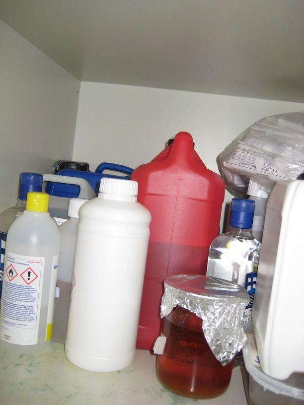 Tulli löysi esitutkinnassa dopingaineiden valmistuksessa käytettäviä tarvikkeita.