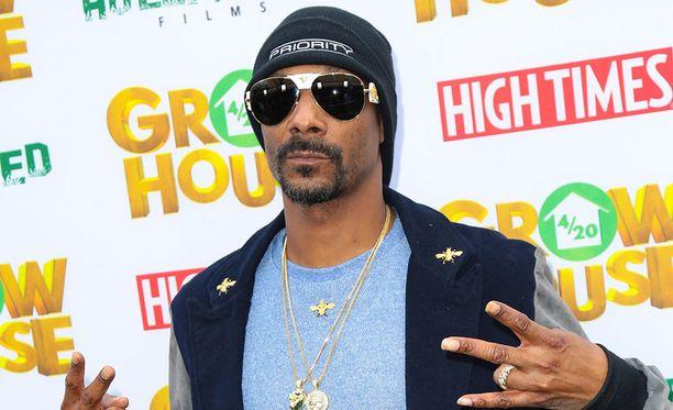 Snoop Dogg kahdella g:llä.