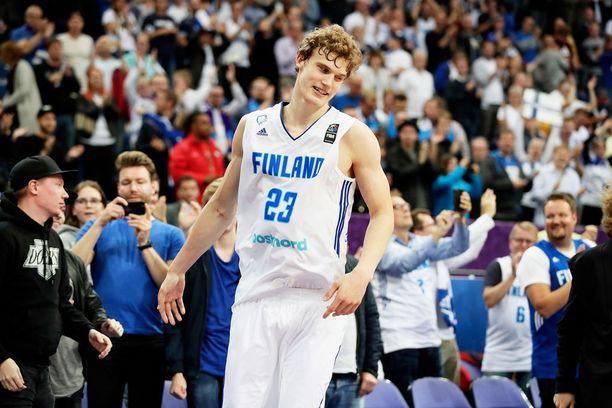Lauri Markkanen on ollut Suomen juhlittu sankari EM-kisojen kolmessa ensimmäisessä ottelussa.