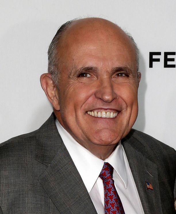 Rudy Giulianista Super Bowlin väliaikashow oli naurettava.