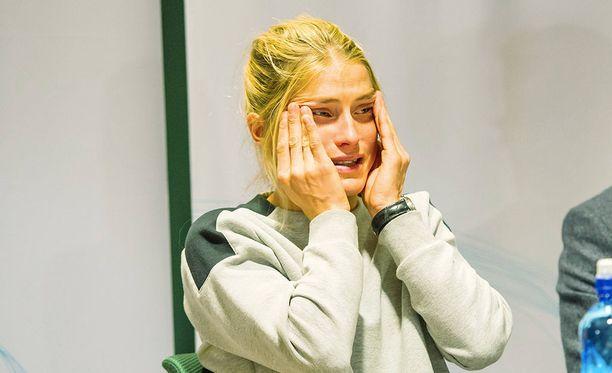 CAS kovensi hiihtäjä Therese Johaugin rangaistuksen kahdeksaantoista kuukauteen. Aiempi panna oli kolmetoista kuukautta. Norjalaishiihtäjän kilpailukielto ulottuu ensi talven olympialaisten yli.