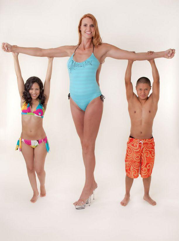 35-vutoias Erika Ervin on peräti 208 senttiä pitkä.