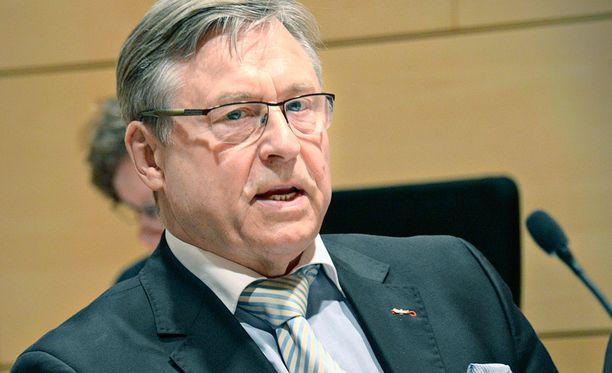 Pertti Salolainen (kok) jatkaa eduskunnassa.