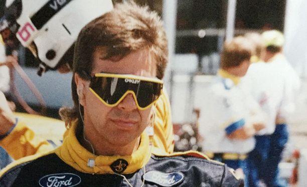 Mekaanikot päättivät tehdä 1980-luvulla jekun Robert Lappalaiselle.