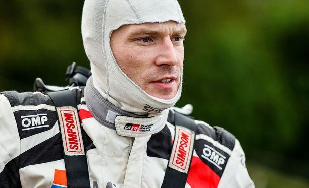 Jari-Matti Latvala huokui karmeasta pettymyksestä huolimatta taistelutahtoa.