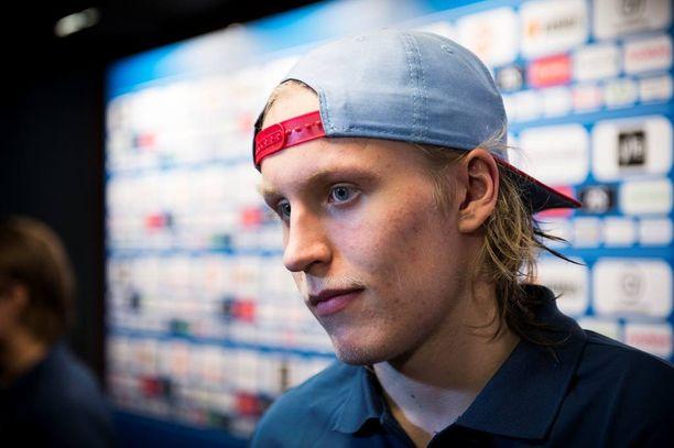 Patrik Laine aloitti jääkiekon Ilveksessä, mutta siirtyi pian Tapparan riveihin.