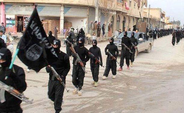 Isis valtasi Irakin toiseksi suurimman kaupungin Mosulin toukokuun puolivälissä. Lapsisotilaita on tavattu niin Irakin kuin Syyriankin puolella.