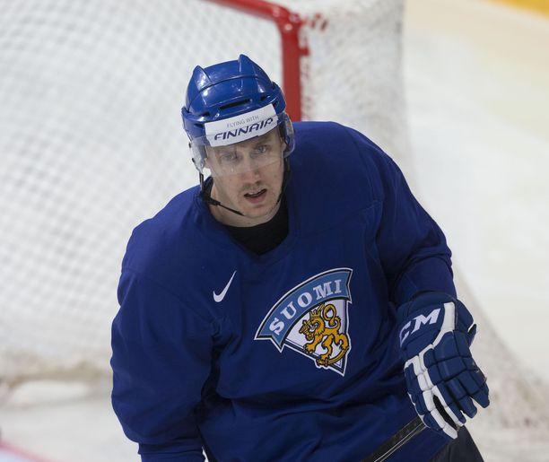 Marko Anttila sai suomalaiset mörköhuuman valtaan.