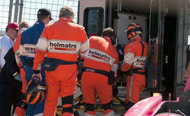 Dario Franchitti kiidätettiin radalta sairaalaan.