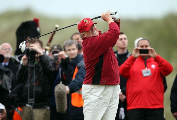 Presidentti Donald Trump on ikäisekseen erittäin hyvä golfinpelaaja.