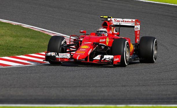Kimi Räikkönen ei saanut arvioissa armoa, vaikka nosti aika-ajojen sijoitustaan.