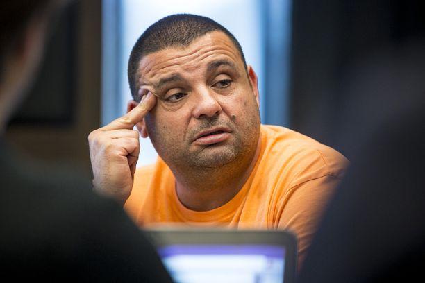 Hassan Zubier asuu Ruotsissa.