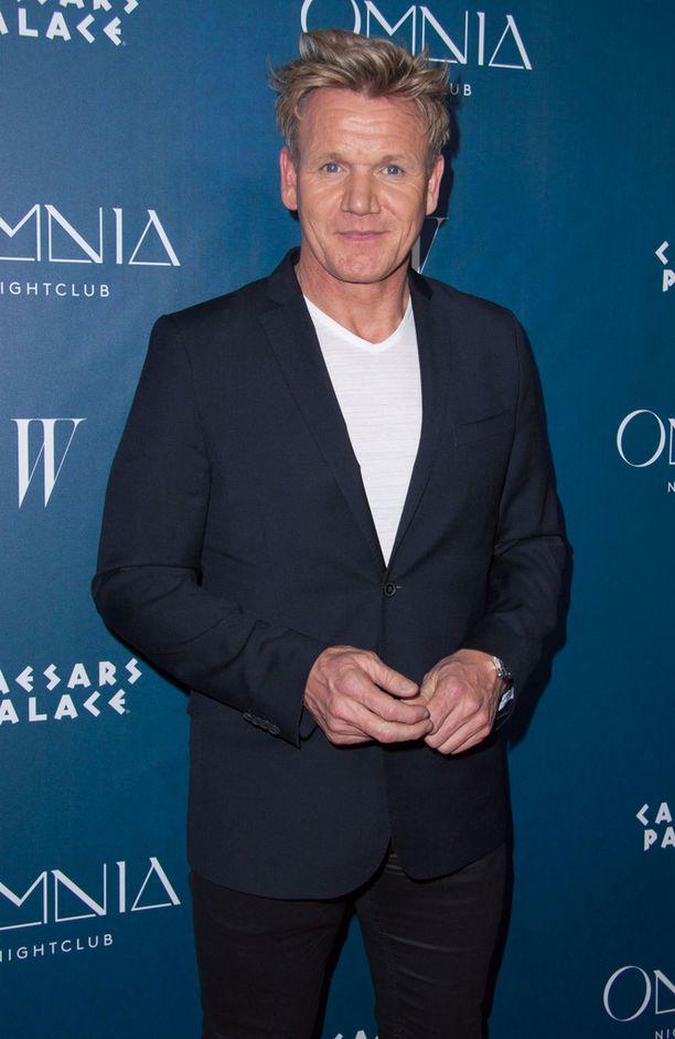 Gordon Ramsay on tehnyt uraa huippukokkina ja hänellä on useita omia tv-ohjelmia.