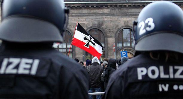 Uusnatsien mielenosoitus Dresdenissä.