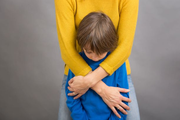 Lapsen jättäminen päivähoitoon voi aiheuttaa vanhemmallekin voimakasta ahdistusta.