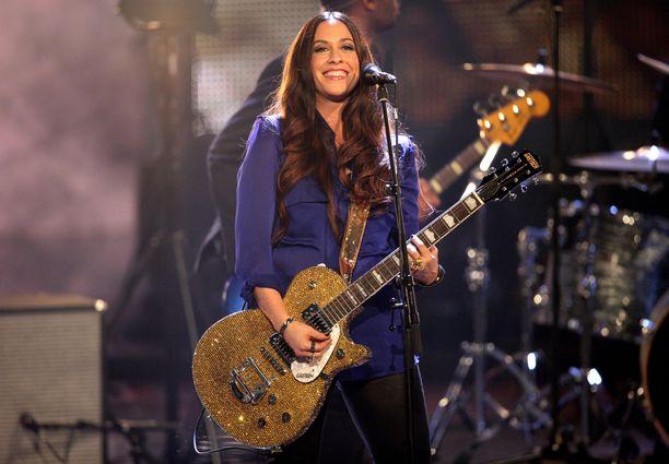 Kanadalainen laulaja-lauluntekijä Alanis Morissette on kolmen lapsen äiti.