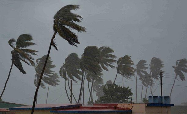 Irma on iskenyt Kuuban pohjoisrannikolle.