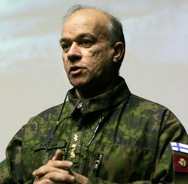 Ilmavoimien entinen ylilääkäri Pentti Kuronen ihmettelee perämies Andreas Lubitzin paljastunutta hoitotaustaa.