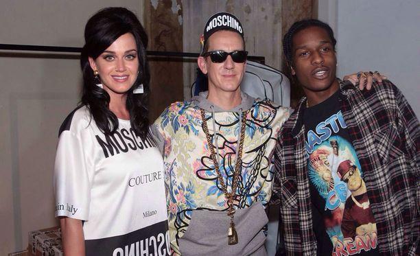 Moschino-jengi: Katy Perry, Jeremy Scott sekä A$AP Rocky.