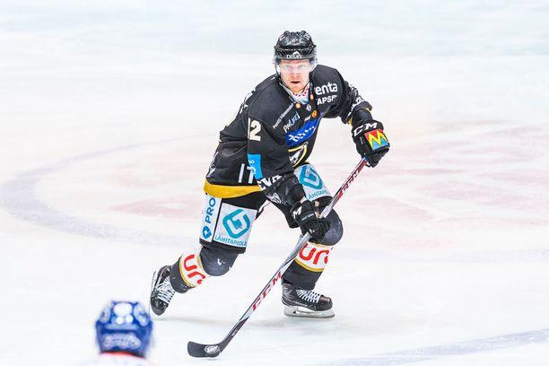 Juha Koivisto oli Kärppien jatkoaikasankari kolmannessa finaalissa, jonka Kärpät voitti 2–1.