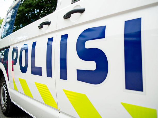 Mies kuoli auton suistuttua tieltä Hämeenlinnan Rengossa.
