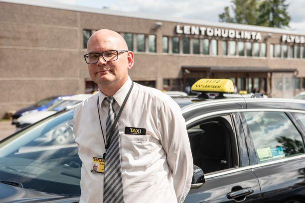 Mikko Österberg katsoo, että kuljettajan habitus merkitsee taksien välisessä kilpailussa entistä enemmän.