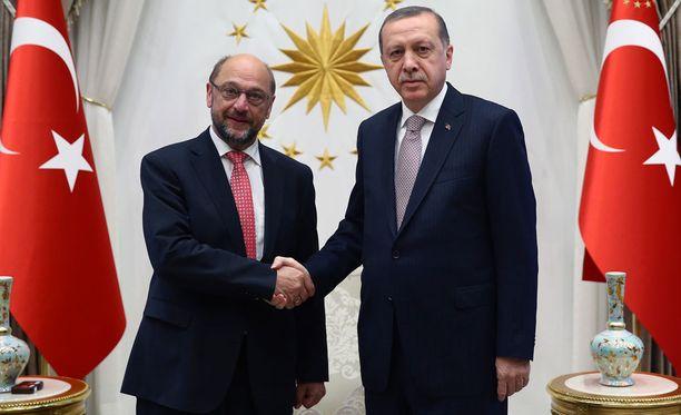 Euroopan parlamentin puhemies Martin Schulz tapasi Turkin presidentin Recep Tayyip Erdoganin torstaina Ankarassa.