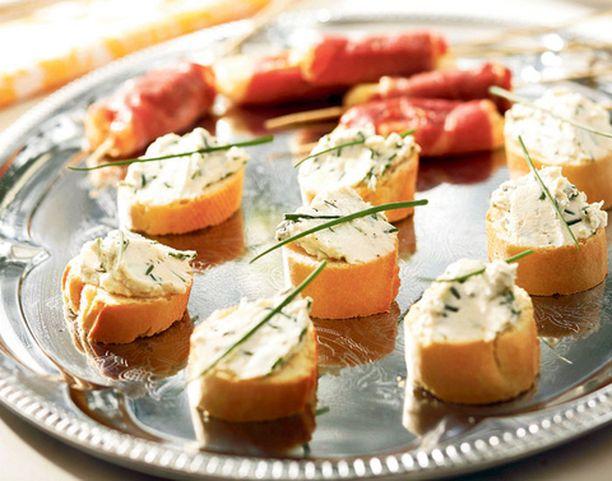 Ricotta-patongit ja kotijuustovartaat ovat kesäinen tapa tarjoilla meijerin antimia.