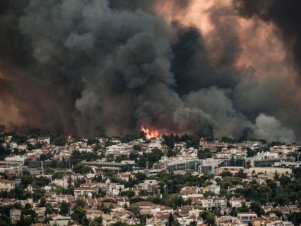 Viranomaiset kertoivat keskiviikkona, että palot eivät toistaiseksi ole vaatineet kuolonuhreja.