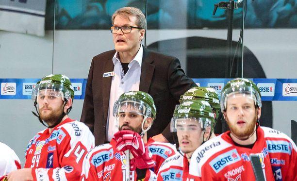 Kai Suikkanen on piiskannut HC Bolzanon taistelemaan mestaruudesta.