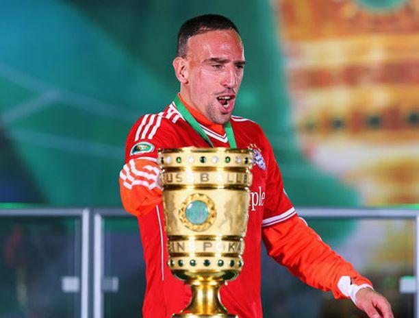 Ribery jatkaa pitkään triplamestarin riveissä