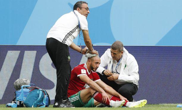 Nordin Amrabat sai ikävän iskun päähänsä perjantaina pelatussa Iran-ottelussa.