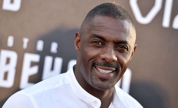 Brittinäyttelijä Idris Elba uskoo olevansa liian vanha uudeksi James Bondiksi.