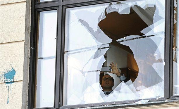 Turkin-suurlähetystön rakennuksesta rikkoutui ikkunoita mielenosoittajien protestissa Moskovassa.