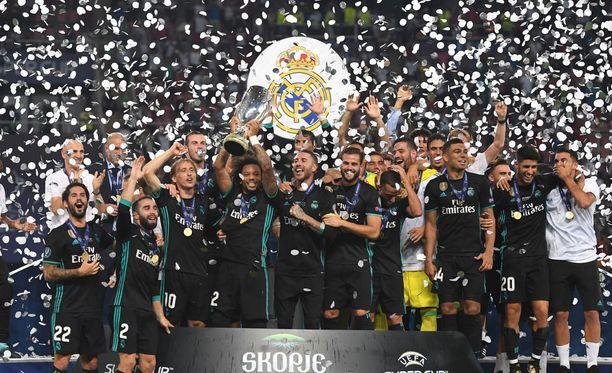 Real Madridin tähtisikermä juhli Super Cupin voittoa elokuussa.