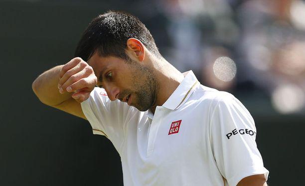 Novak Djokovic on ulkona Wimbledonista.