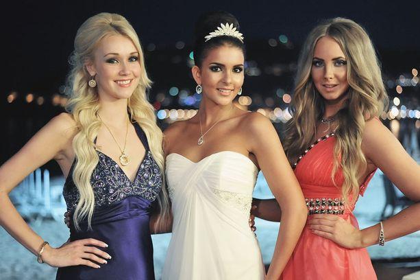 Viiviä (vas.), Saraa ja Sabinaa pidetään Turkissa kuin kukkaa kämmenellä.