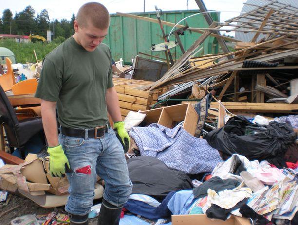 Tom Lamminsivu kävi viikonloppuna kaatopaikalla etsimässä hävitettyä omaisuuttaan.