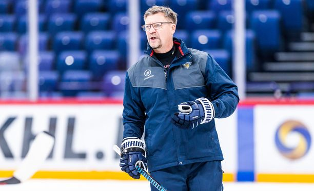 Päävalmentaja Jukka Jalonen veti tiistaina kauden ensimmäiset harjoitukset Leijonille.