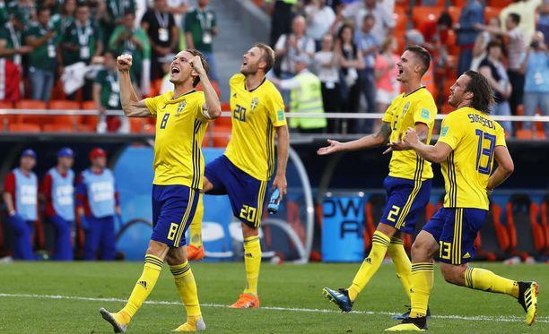 Ruotsi eteni keskiviikkona MM-kisojen neljännesvälieriin, mikä varmisti, että maan jalkapalloliitto kuittaa kisoista vähintään 13,5 miljoonaa dollaria.